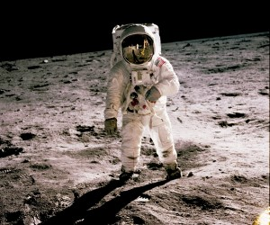 moon-landing-300x250